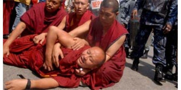 Mönchen droht nach Protest doch Strafe
