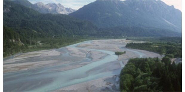 WWF-Proteste gegen ÖBB-Kraftwerk am Lech