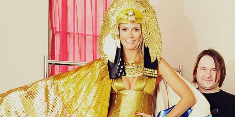 Heidi Klum feiert Halloween als Kleopatra