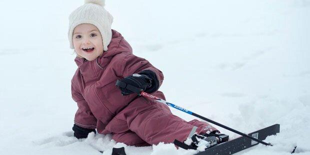 Prinzessin Estelle tobt im Schnee