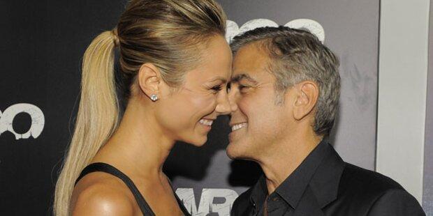 Clooney & Keibler turteln Gerüchte weg