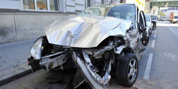 Fußgängerin von Taxi erfasst: Tot