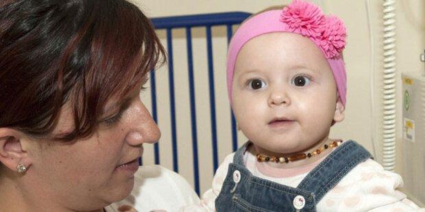 Ärzte entfernen Kleinkind riesigen Tumor