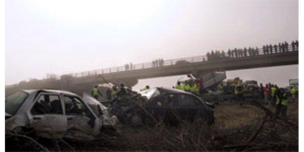 100 Autos in Unfall in Spanien verwickelt