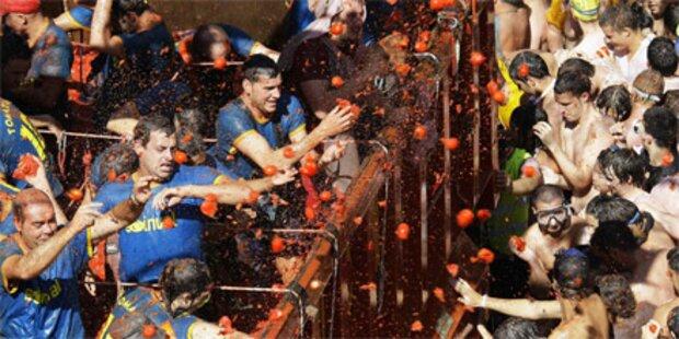 40.000 Spanier bewerfen sich mit Tomaten