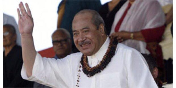 König von Tonga gibt absolute Macht ab