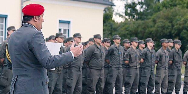 Ehrenbegräbnis für toten Soldaten