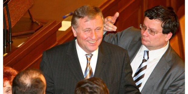 Tschechischer Premier zeigt den Stinkefinger
