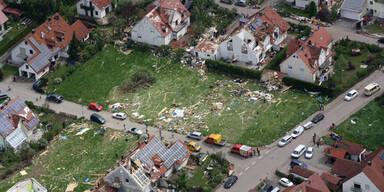 Tornado verwüstet Dorf in Bayern