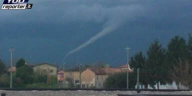 Tornado wirbelte in der Nähe von Jesolo