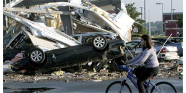 Tornados töten 22 Menschen in den USA