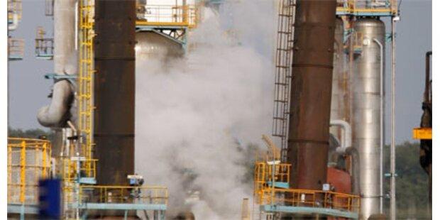 Explosion in Erdölanlage von Total