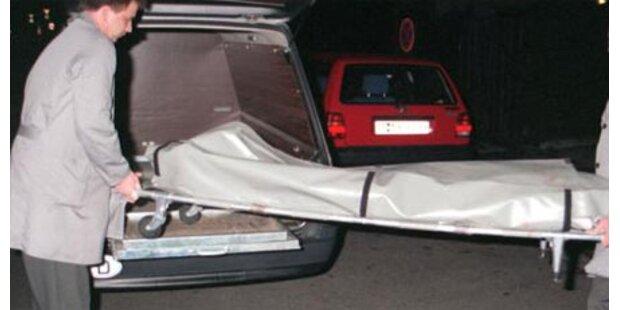 Lkw erfasst Autolenker tödlich auf A4