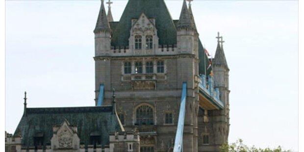 Tower-Lift stürzte ab - Sechs Verletzte