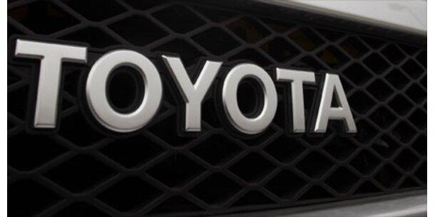 Toyota ruft fast 100.000 Autos zurück