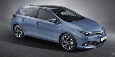 Toyota frischt Auris & Avensis auf