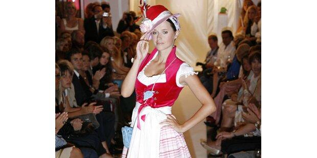 Sexy Heidi - Dirndl zaubert Traummaße