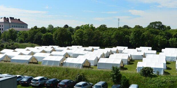 Zeitweise rund 3.000 Flüchtlinge in Traiskirchen