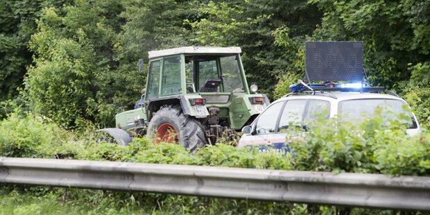 Traktor auf A12 durch Schüsse gestoppt