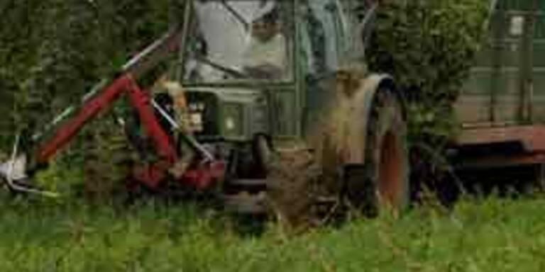 Forstarbeiter mit Traktor tödlich verunglückt