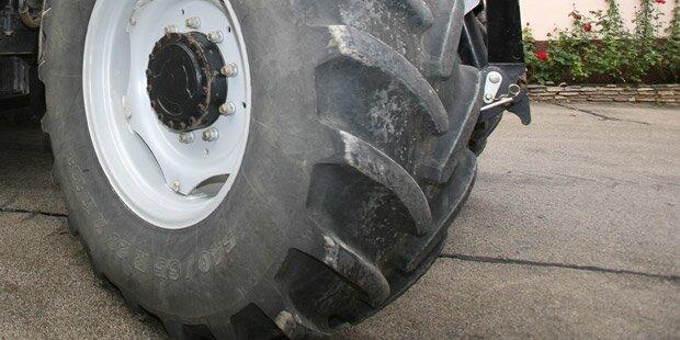 Unfall-Drama: Mann von Traktor überrollt - tot