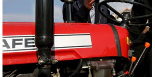 15-Jähriger in OÖ mit Traktor 100 Meter abgestürzt