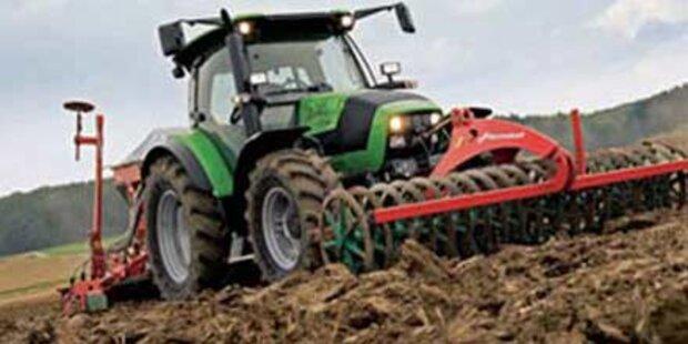 Bauer von Traktor eingeklemmt - tot
