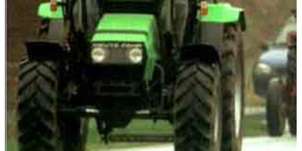 Pensionist bei Zusammenstoß mit Traktor getötet