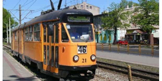 Bub brachte Tram in Polen zum Entgleisen