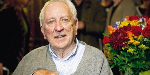 Nobelpreisträger kam im Rollstuhl