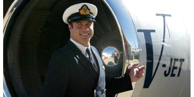 Travolta fliegt Hilfsgüter nach Haiti