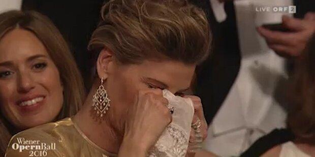 Treichl-Stürgkh bricht in Tränen aus