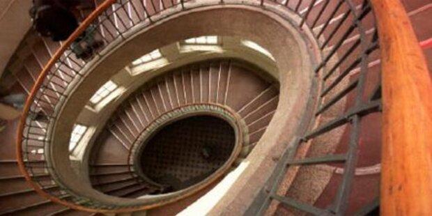 Steirer stirbt beim Sturz über Treppe
