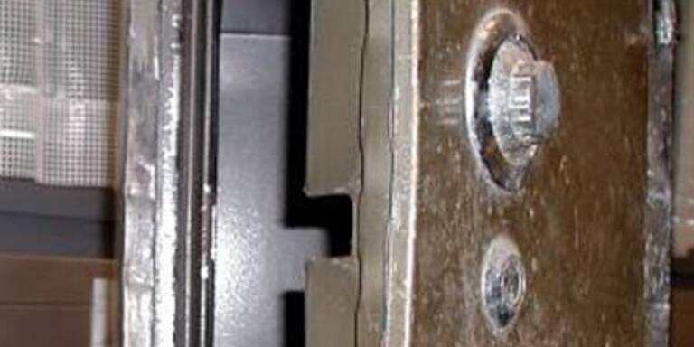 Einbrecher stahlen 150 Kilo-Tresor