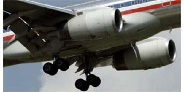 Arbeiter fast von Flugzeugtriebwerk zerstückelt