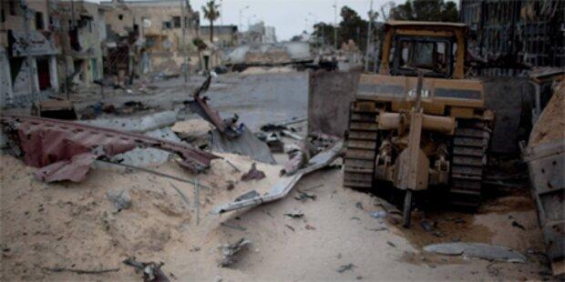 Erneut schwere Explosionen in Tripolis