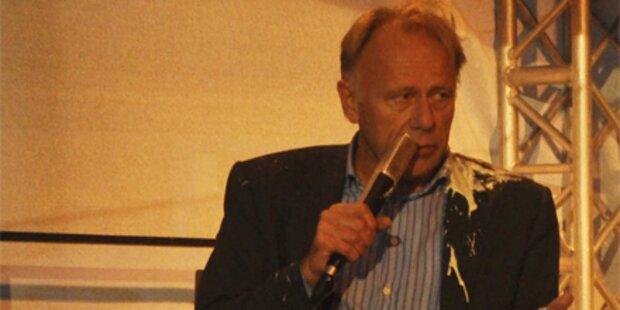 Tortenanschlag auf deutschen Grünen-Chef
