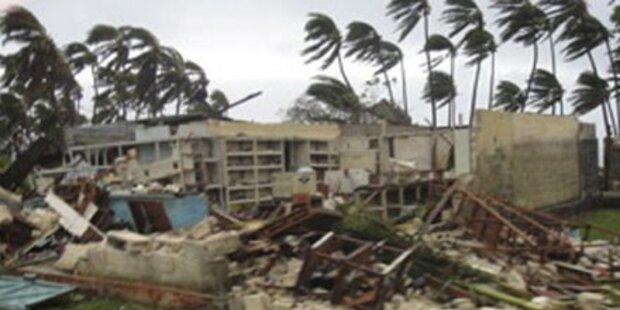 Wirbelsturm verwüstet Pazifik-Insel