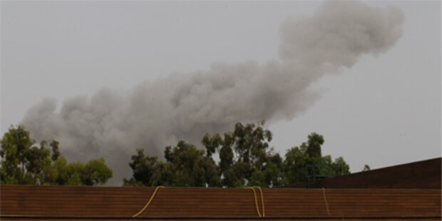 Schwere Explosion nahe Gaddafi-Anwesen