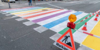 Regenbogen Zebratsreifen Salzburg