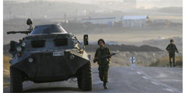 Türkei verstärkt Armee an Irak-Grenze