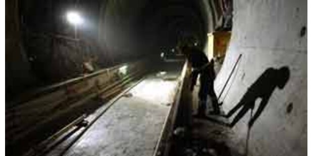 Bauarbeiter im Tauerntunnel von Betonblock erschlagen