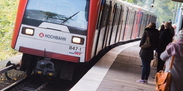 Mutter stößt Sohn (11) vor die U-Bahn