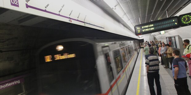 Mann holte in Wiener U-Bahn seinen Penis heraus