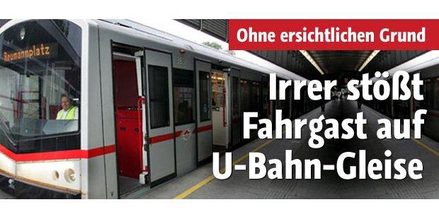 Irrer stößt Fahrgast auf U-Bahn-Gleise