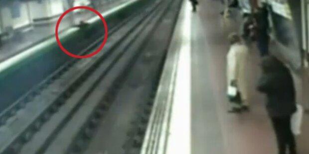 Betrunkener stürzt vor fahrende U-Bahn