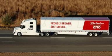 Selbstfahrender LKW lieferte 50.000 Dosen Bier