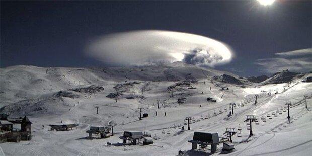 UFO-Wolke schockiert Skifahrer