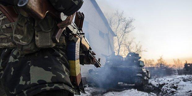 Kiew zieht bis zu 100.000 Soldaten ein