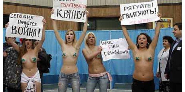 Ukrainerinnen demonstrieren halbnackt